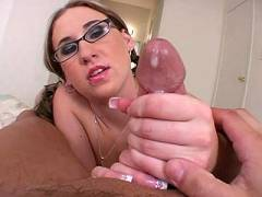 Kimmy with eyeglasses loves handjob