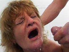 Slutty old lady in threesome