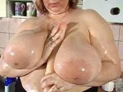 Huge boobs rubbing dildo